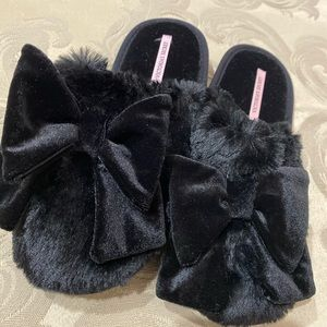 Victoria Secrets Black Plush house slippers